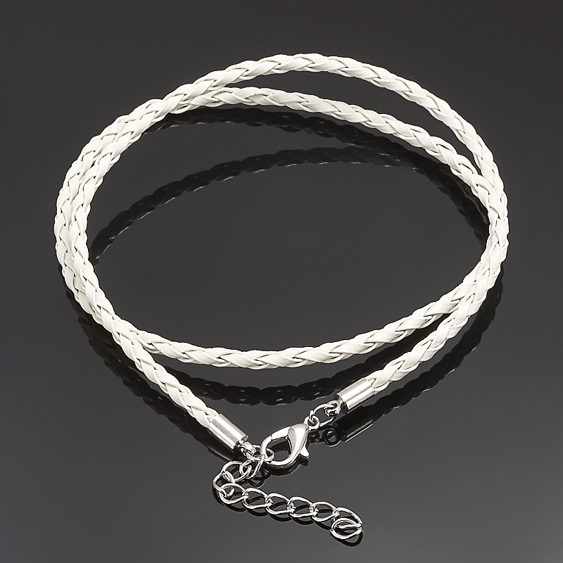 Шнурок плетеный белый 46-50 см (иск. кожа)