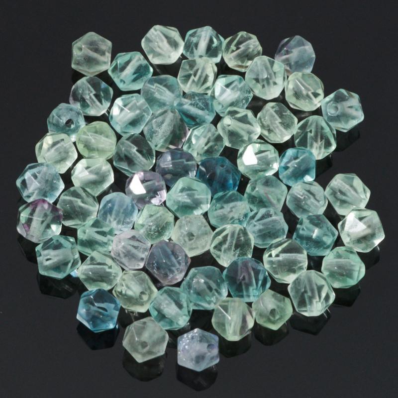 Бусина флюорит зеленый 4,5-5 мм огранка (1 шт) бусина авантюрин зеленый сплюснутый шар 6 6 5 мм 1 шт