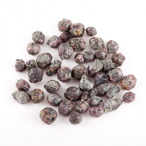 Кристалл гранат альмандин Индия (0,5-1 см) 1 шт