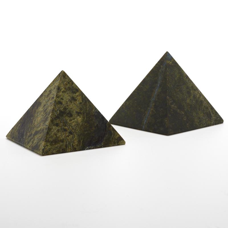 Пирамида змеевик  7 см