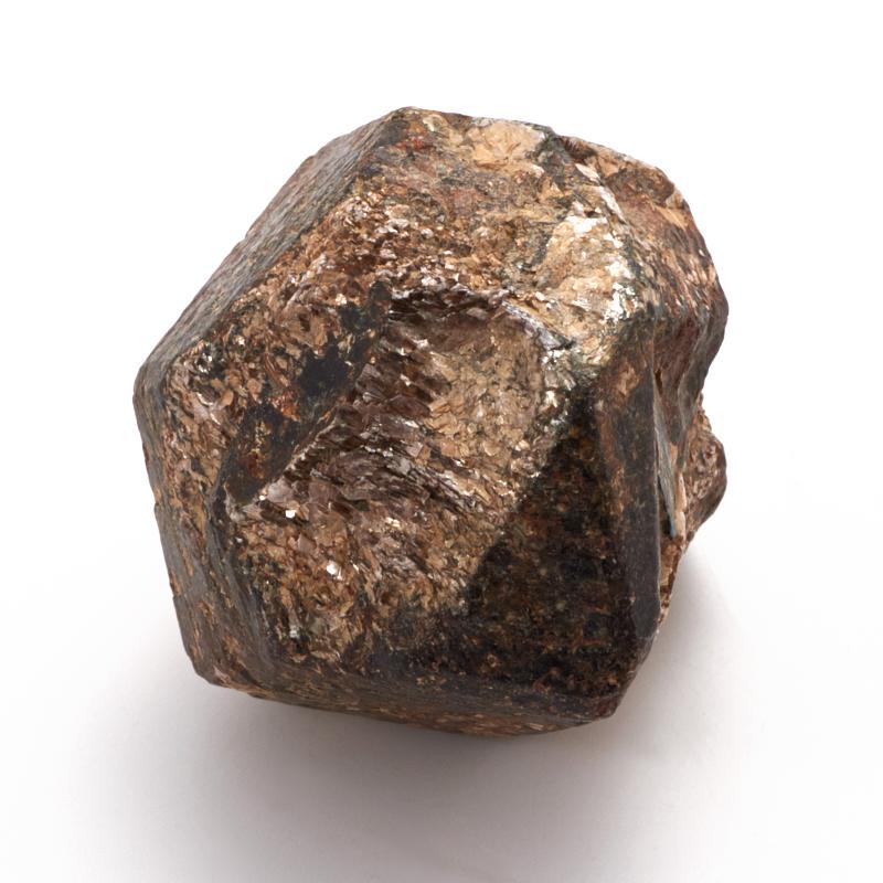 Кристалл в породе гранат альмандин S кристалл в породе аквамарин 87х78х68 мм