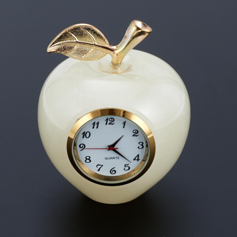 Часы яблоко оникс мраморный 6х7,5 см часы пирамида оникс мраморный 10 см