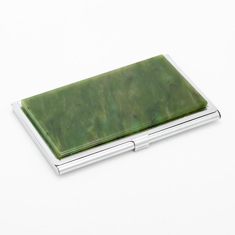 Визитница нефрит зеленый  5,5х9 см бусы нефрит зеленый 9 мм 45 52 см