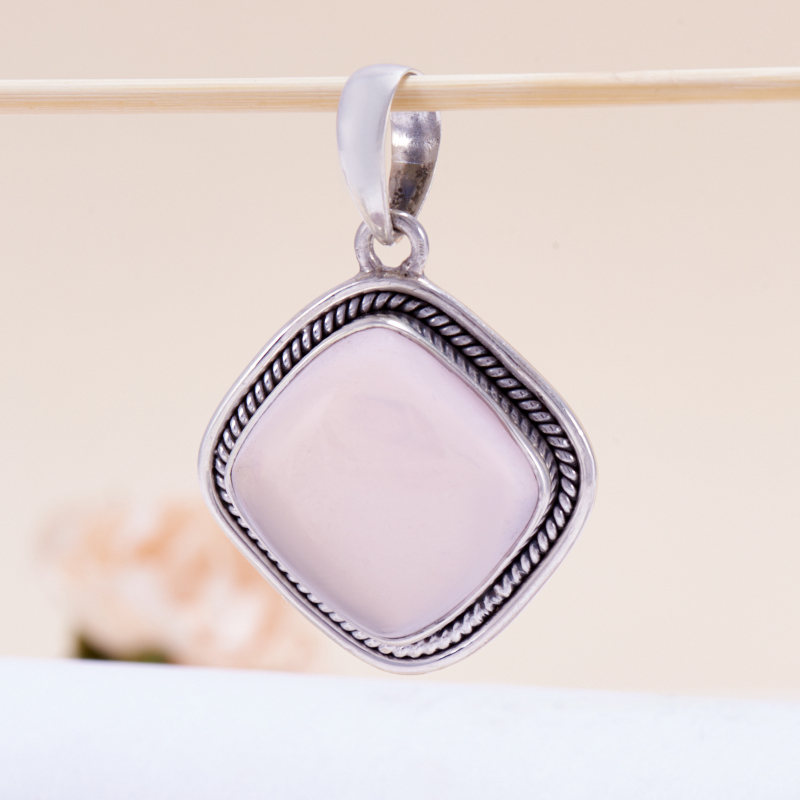 Кулон розовый кварц  ромб (серебро 925 пр.)