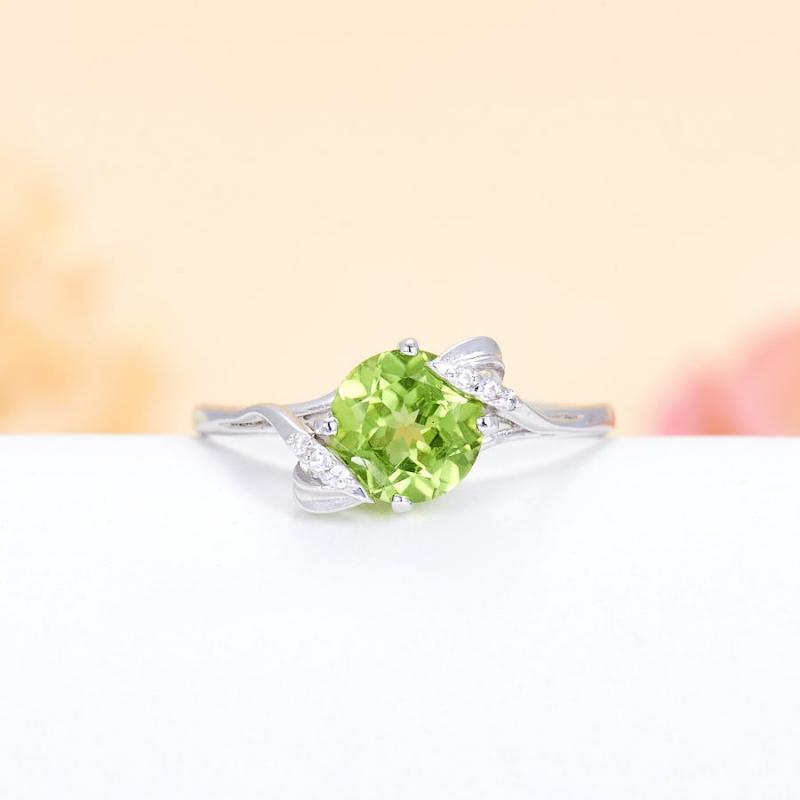 Кольцо хризолит  огранка (серебро 925 пр.) размер 18 кольцо авантюрин зеленый серебро 925 пр размер 18