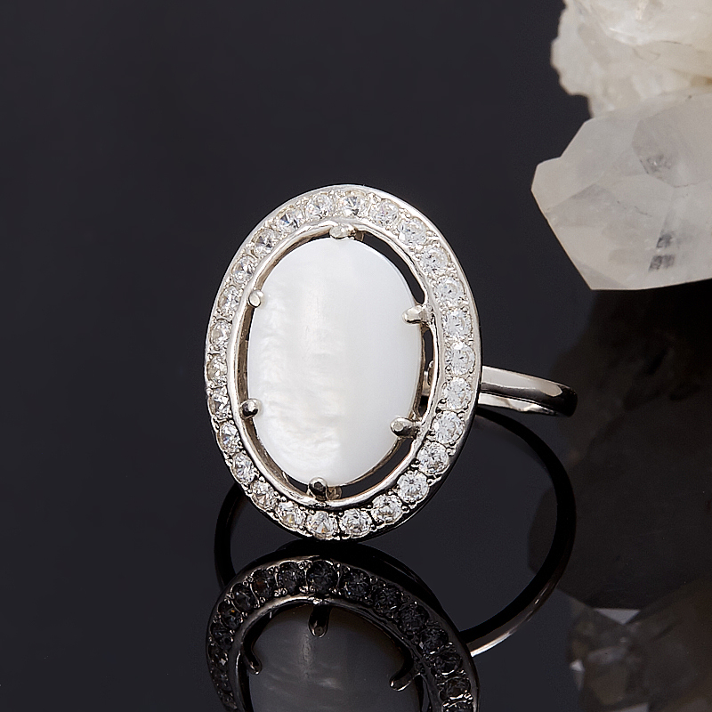 Кольцо перламутр белый  (серебро 925 пр.) размер 19