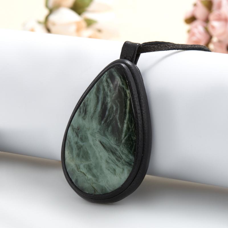 Подвеска нефрит зеленый  капля (натуральная кожа) кабошон нефрит зеленый 12 16 мм