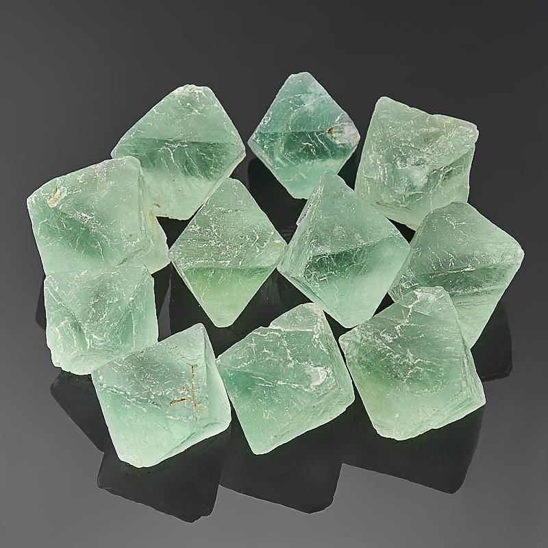 Образец флюорит зеленый  (2,5-3 см) 1 шт