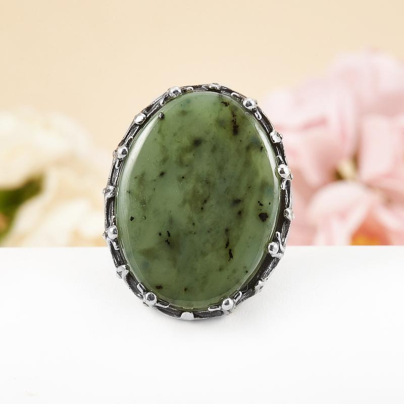 Кольцо нефрит зеленый  (серебро 925 пр.) размер 18,5