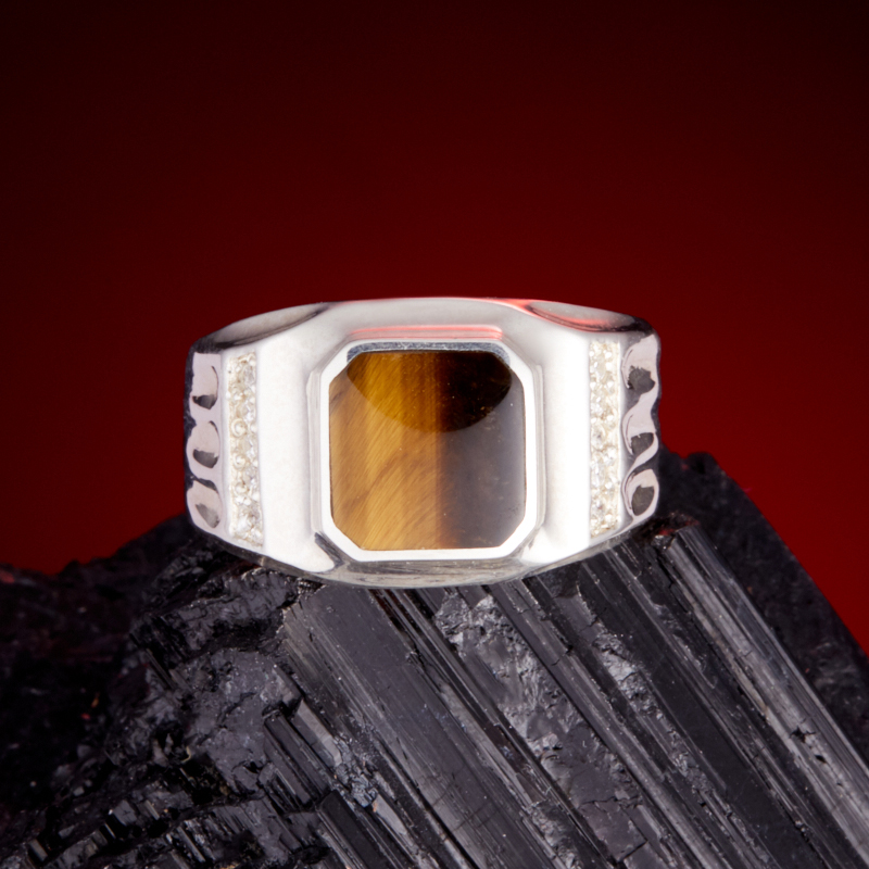 Кольцо тигровый глаз  (серебро 925 пр.) размер 19