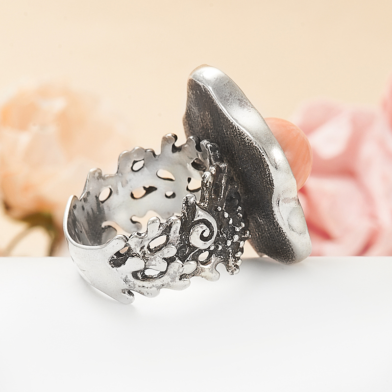 Кольцо коралл розовый Индонезия (серебро 925 пр.) размер 17,5