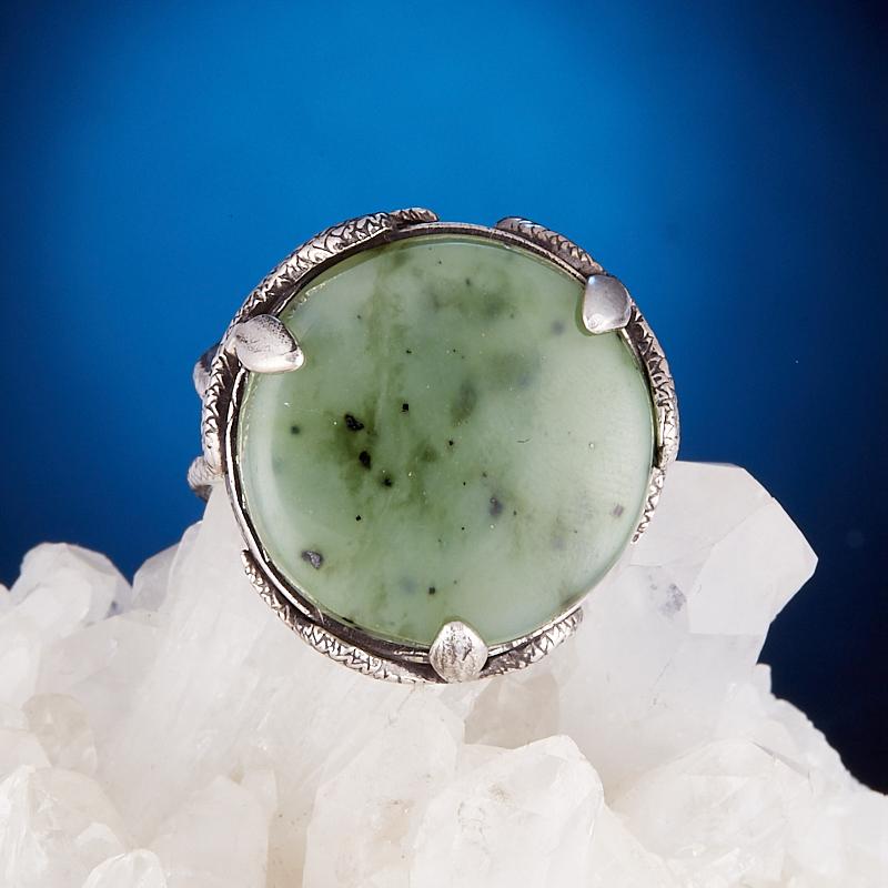 Кольцо нефрит зеленый Россия (серебро 925 пр.) размер 18,5