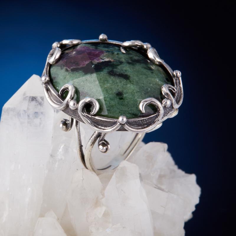Кольцо корунд в цоизите  огранка (серебро 925 пр.) размер 18 кольцо авантюрин зеленый серебро 925 пр размер 18