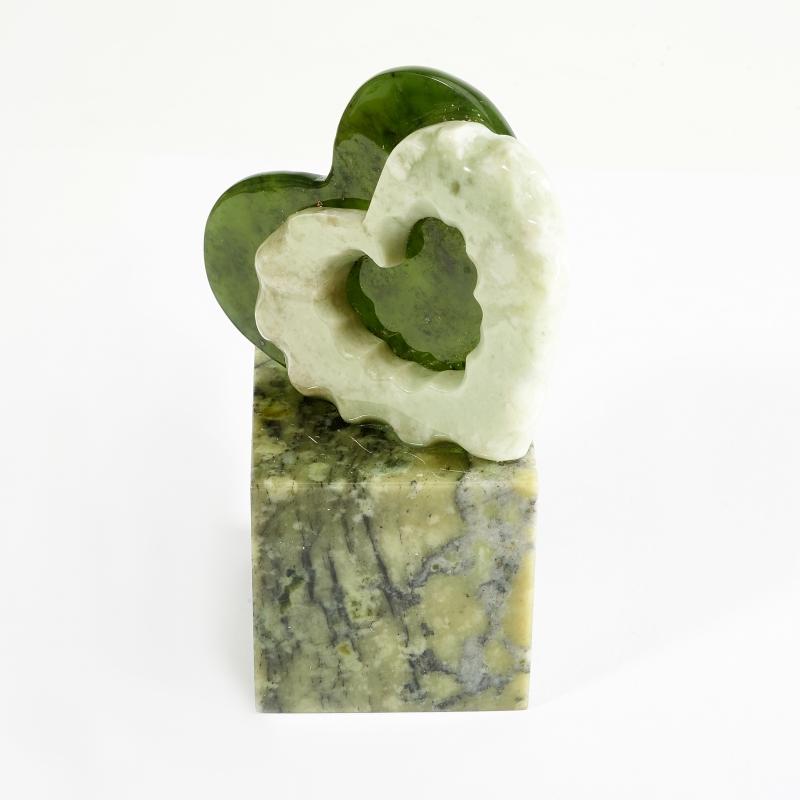 Статуэтка сердечки офиокальцит, нефрит 5х8,5 см