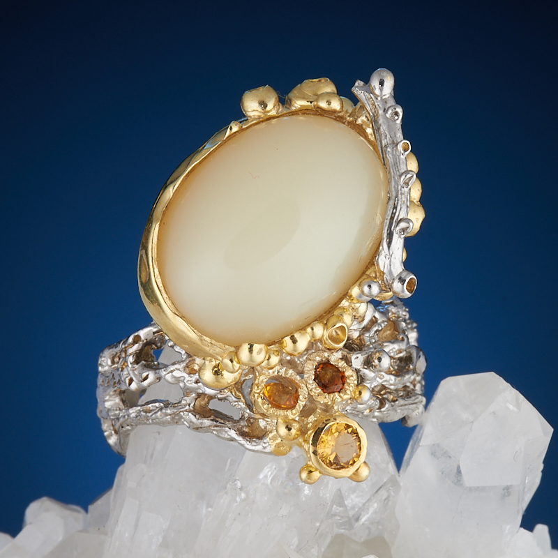 Кольцо опал белый  (серебро 925 пр., позолота) размер 19