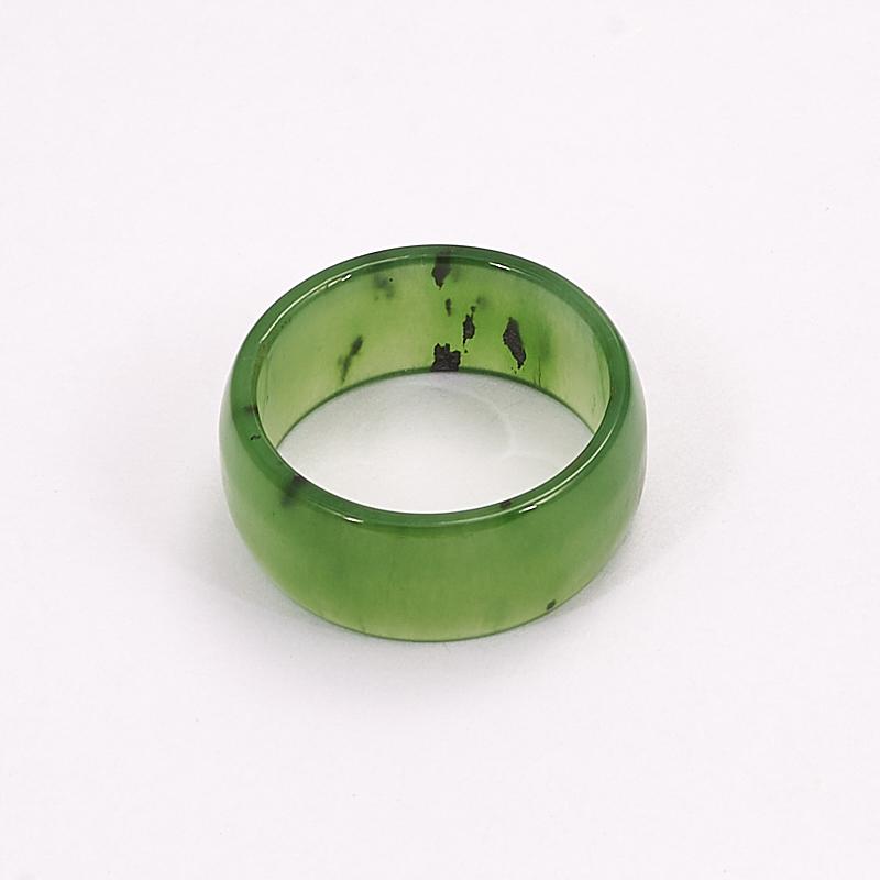 Кольцо нефрит зеленый (цельное) размер 16