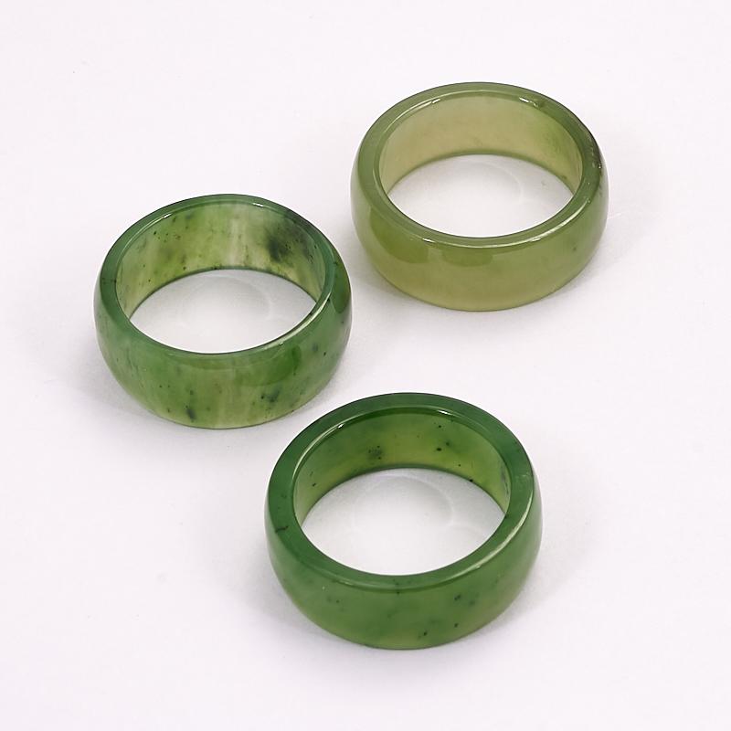 Кольцо нефрит зеленый (цельное) размер 16,5