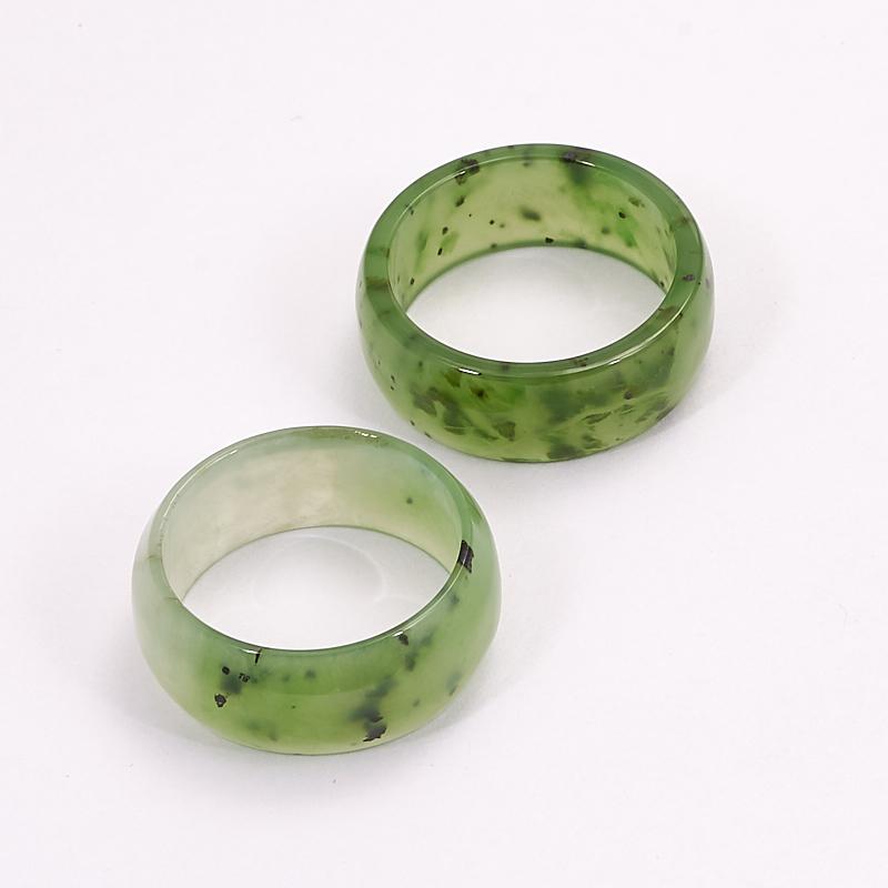 Кольцо нефрит зеленый (цельное) размер 17,5