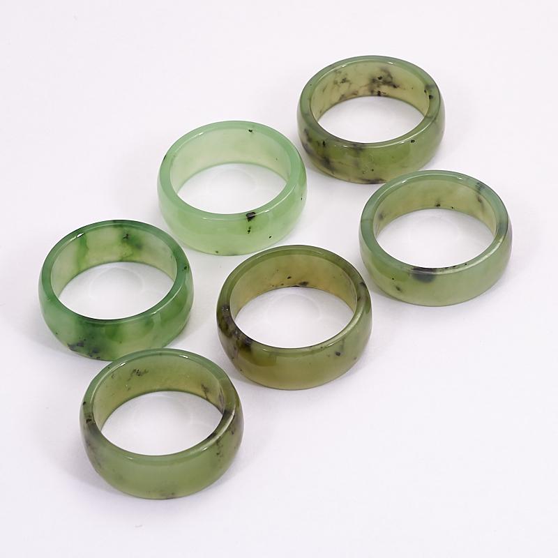 Кольцо нефрит зеленый (цельное) размер 18