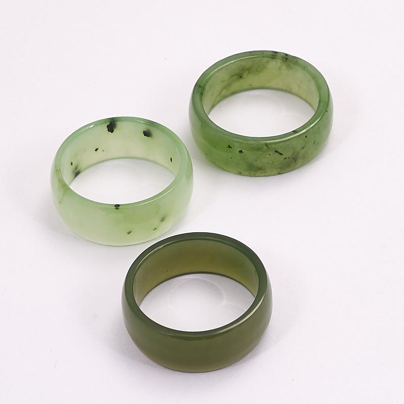 Кольцо нефрит зеленый (цельное) размер 18,5