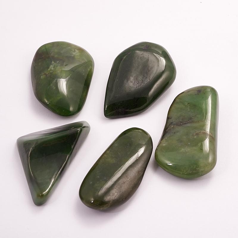 Галтовка нефрит зеленый Россия S (4-7 см) (1 шт)