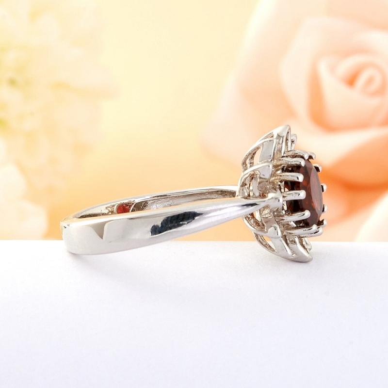 Кольцо гранат  огранка (серебро) размер 20
