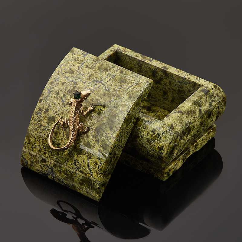 Шкатулка змеевик Россия 9х7х6 см