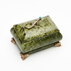 Шкатулка змеевик Россия 10х7,5х7 см
