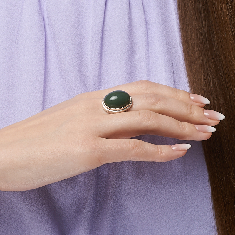 Кольцо нефрит зеленый Россия (серебро 925 пр.) размер 21