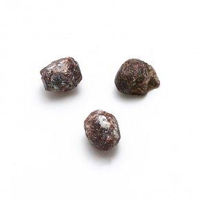 Кристалл гранат альмандин Россия (0,5-1 см) 1 шт