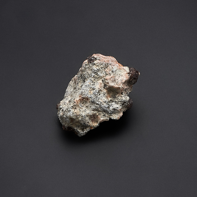Кристалл в породе гранат альмандин  XXS