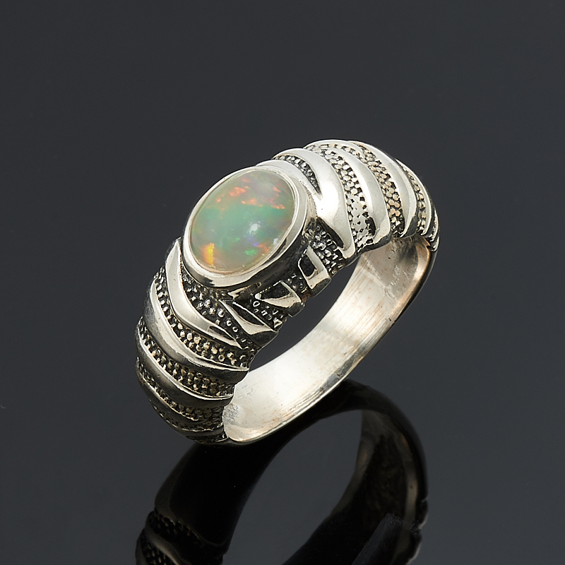 Кольцо опал благородный желтый  (серебро 925 пр.) размер 18