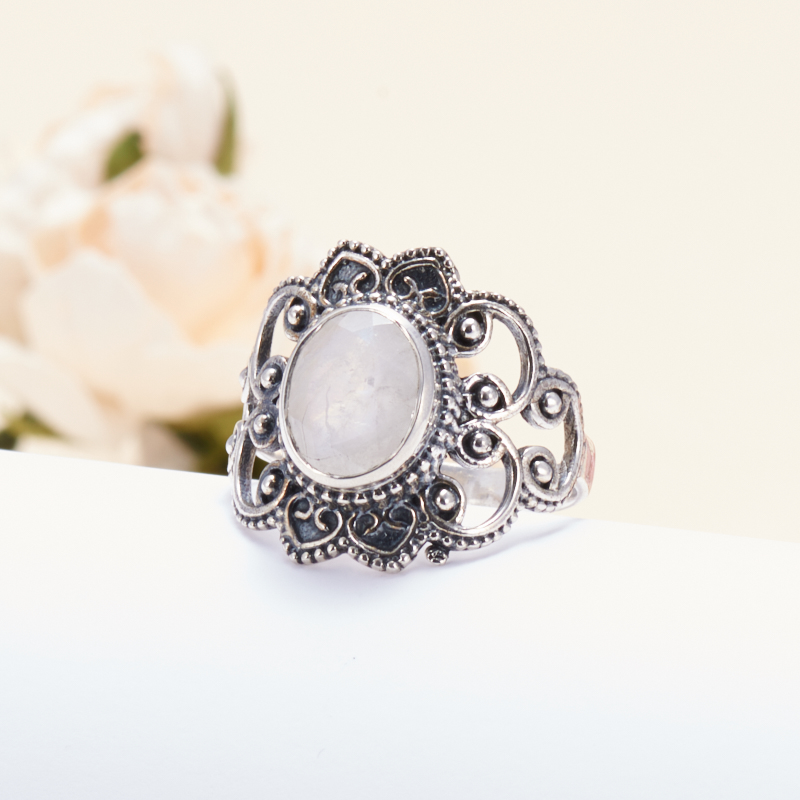 Кольцо лунный камень  огранка (серебро 925 пр.) размер 18,5
