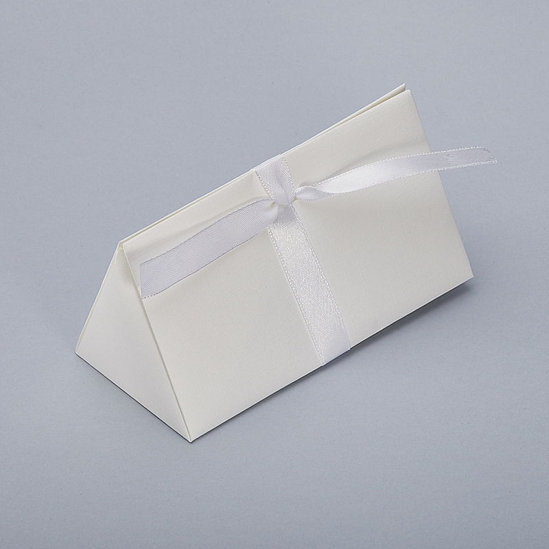 Подарочная упаковка универсальная 130х70х65 мм