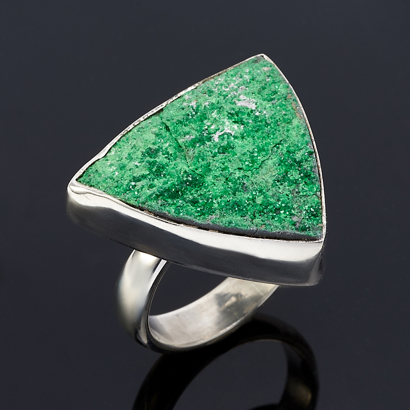 Кольцо уваровит  (серебро 925 пр.) размер 17,5