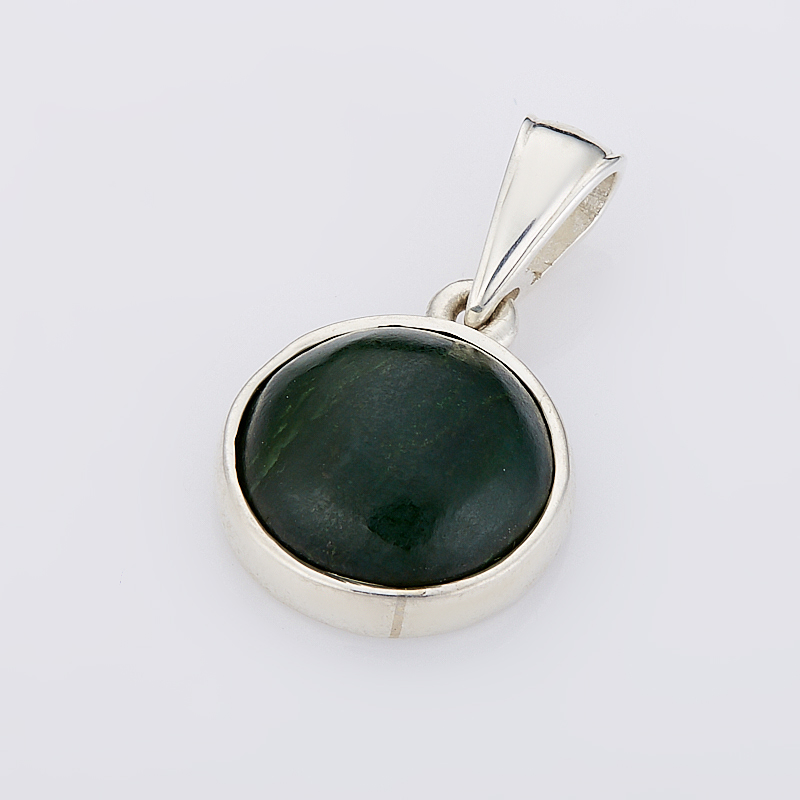 Кулон нефрит зеленый круг (серебро 925 пр.)