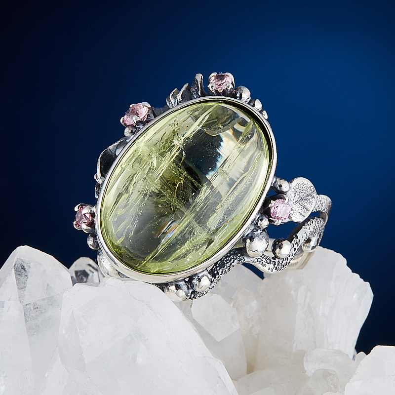 Кольцо берилл желтый (гелиодор)  (серебро 925 пр.) размер 18