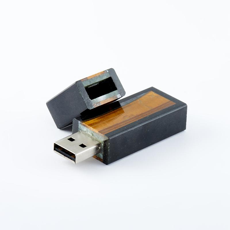 USB-флеш-накопитель долерит, тигровый глаз ЮАР 8 Гб 6,5 см