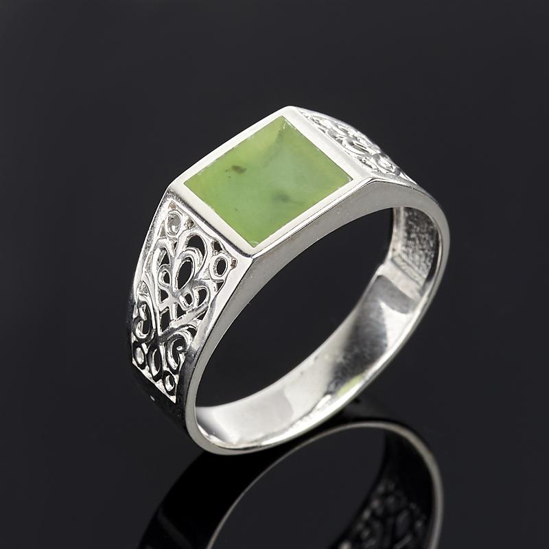 Кольцо нефрит зеленый Россия (серебро 925 пр.) размер 21,5