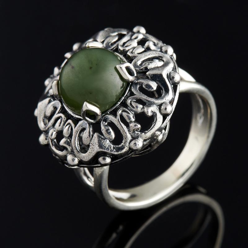 Кольцо нефрит зеленый (серебро 925 пр.) размер 18