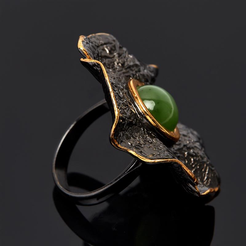 Кольцо нефрит зеленый Россия (серебро 925 пр., позолота) размер 19,5