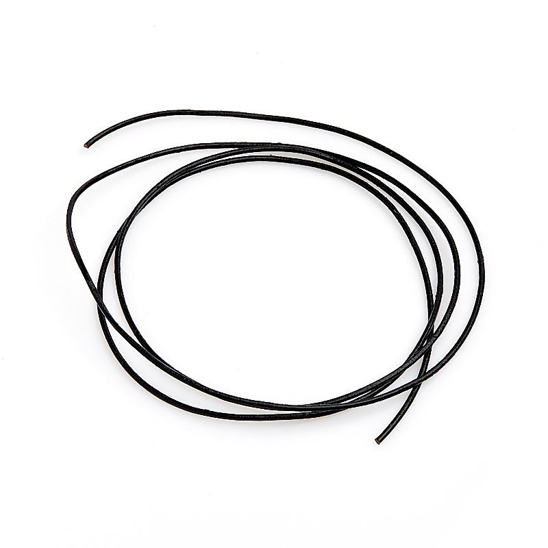 Шнурок черный 70 см (натуральная кожа)