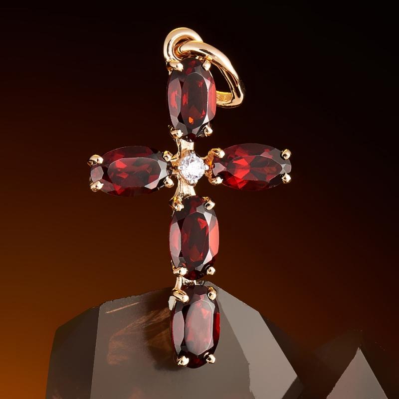 Кулон гранат альмандин Бразилия крест огранка (золото 585 пр.)