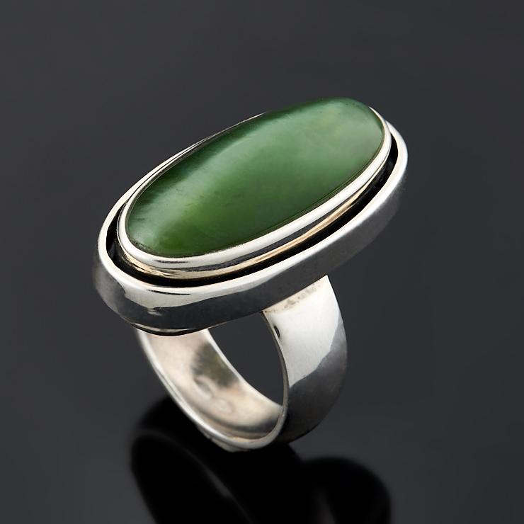 Кольцо нефрит зеленый с эффектом кошачьего глаза (серебро 925 пр.) размер 17,5 браслет кианит с эффектом кошачьего глаза синий 16 cм