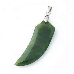 Кулон нефрит зеленый Россия (биж. сплав) 6,5 см