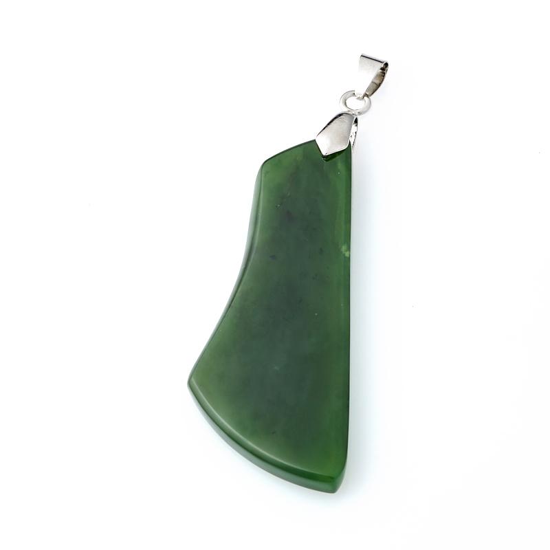 Кулон нефрит зеленый (биж. сплав) 6,5 см