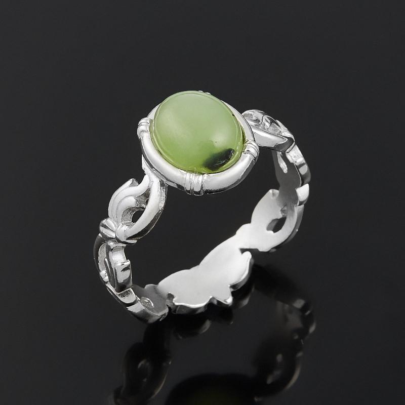 Кольцо нефрит зеленый Россия (серебро 925 пр.) размер 22