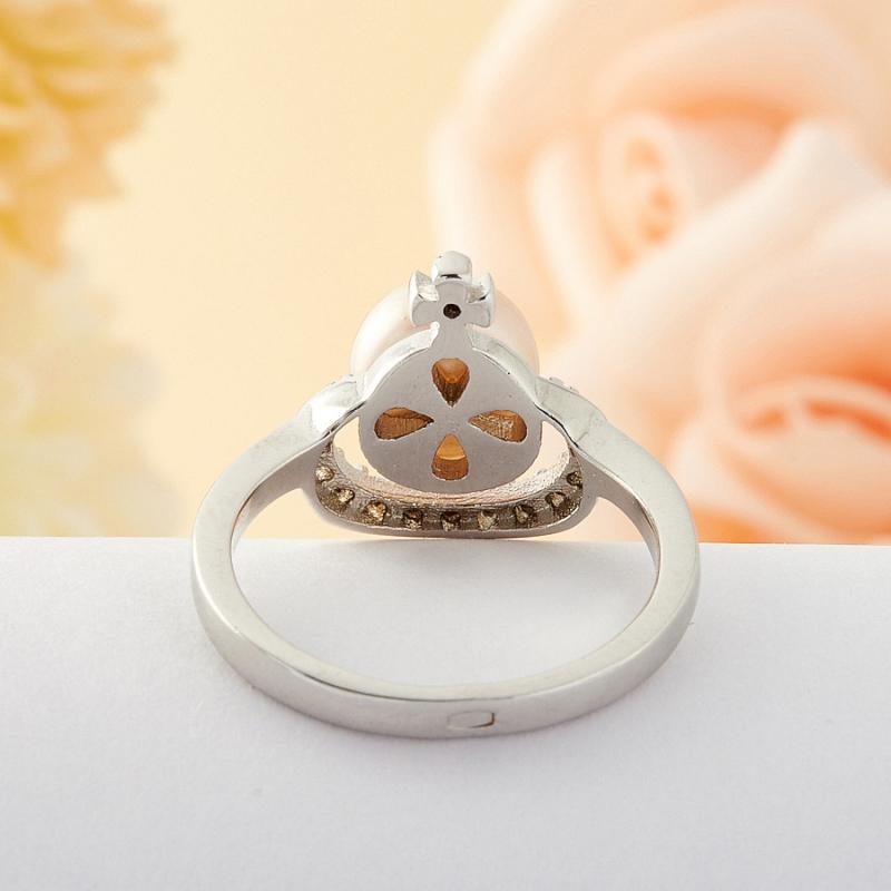 Кольцо бежевый жемчуг Малайзия (серебро) размер 20