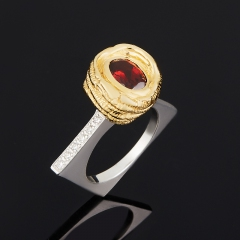Кольцо гранат альмандин Индия огранка (серебро 925 пр., позолота) размер 17