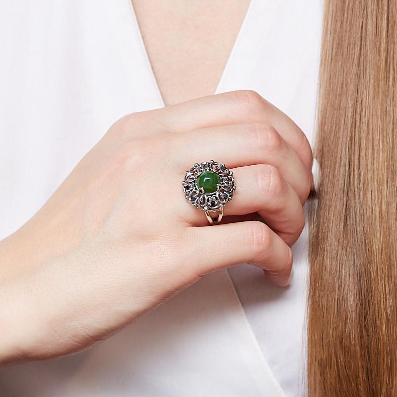 Кольцо нефрит зеленый Россия (серебро 925 пр.) размер 17